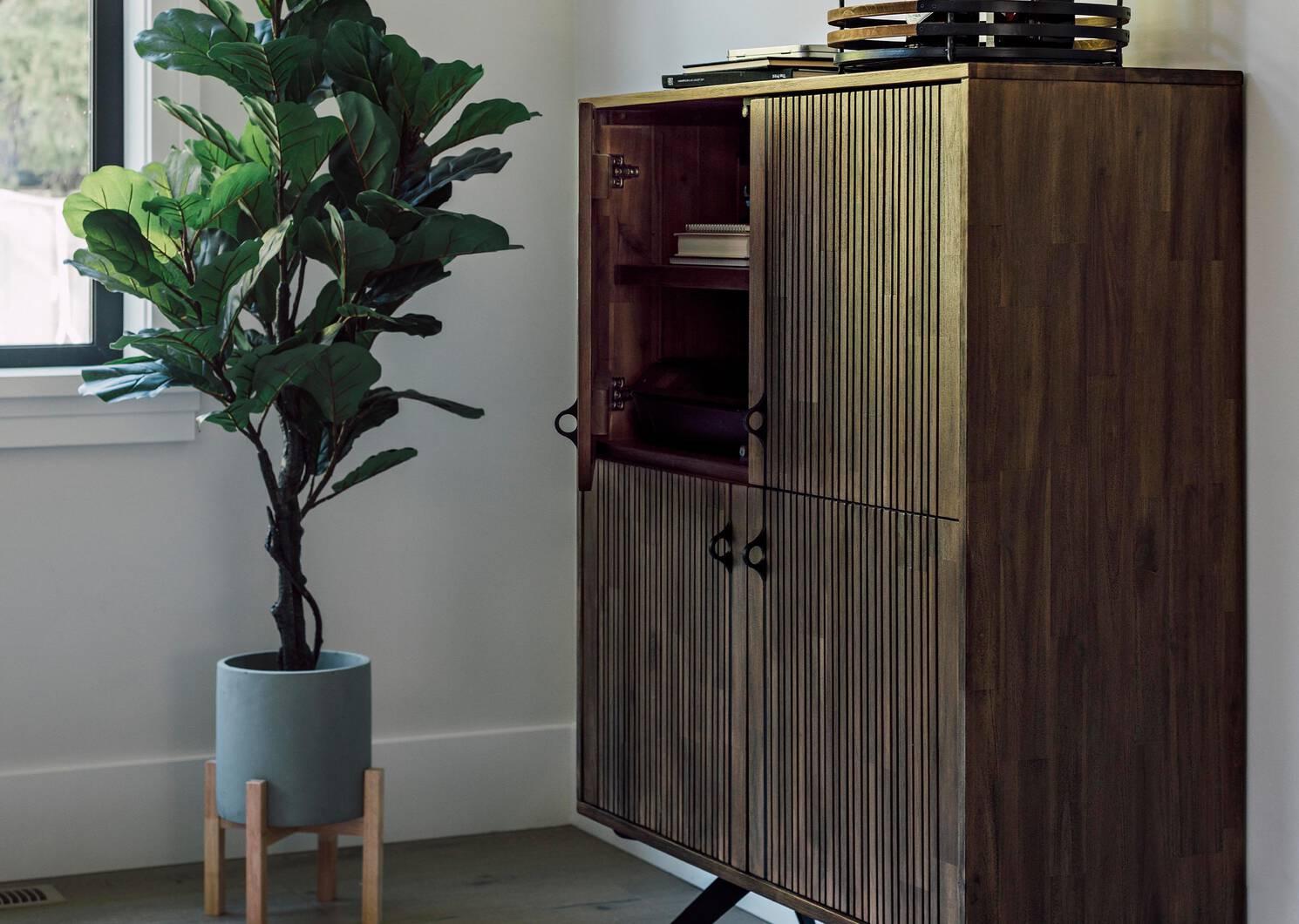 Cabinet Dominion -Bryn cacao