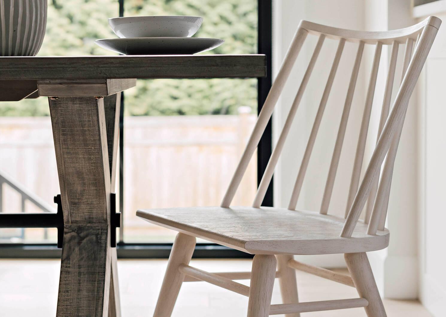 Hershel Dining Chair -Yvie Chantilly